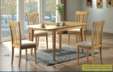 I 4267 / I 4358 - Maple Dining Table w/ 4 Chairs