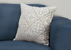 "I 9214 - PILLOW - 18""X 18"" / LIGHT GREY MOTIF DESIGN / 1PC"