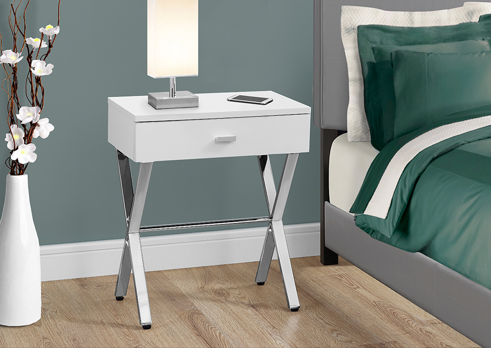 I 3262 Accent Table Glossy White Chrome Metal Night