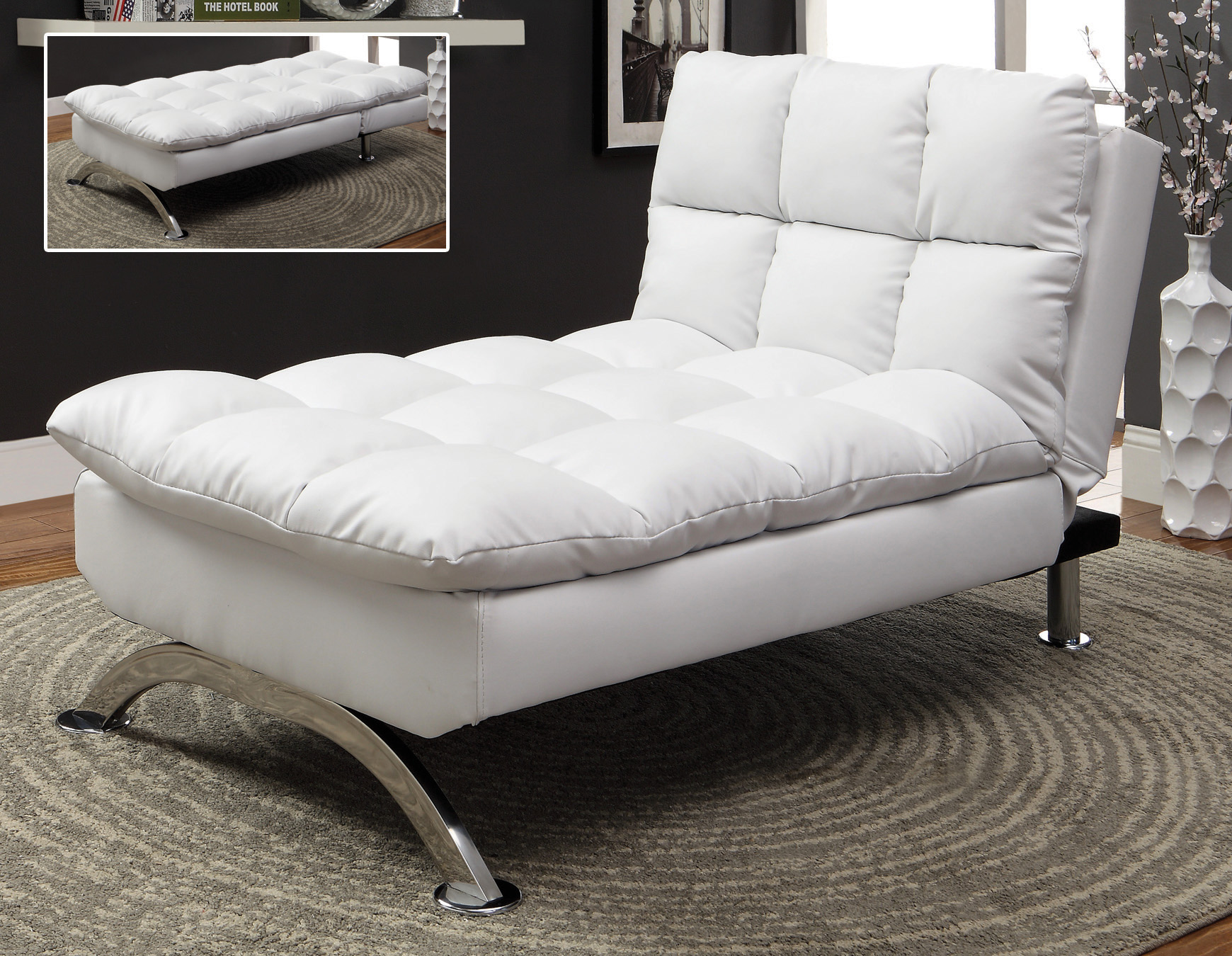 SUS LOUNGE CHAIR IN FAUX LEATHER WHITE BRAND NEW WINNIPEG